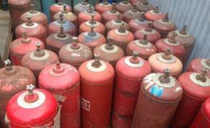 Очередное издевательство: замена газовых баллонов